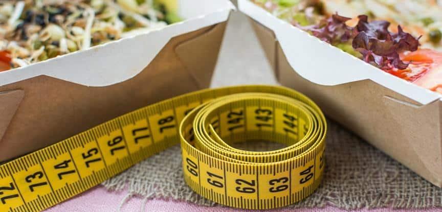 fita métrica e saladas