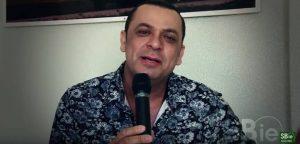 foto cantor Frank Aguiar