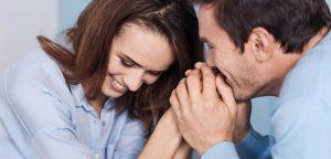 foto de casal sorrindo