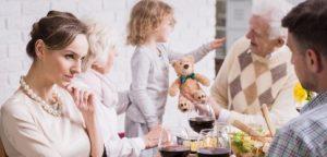 Tiro de um jantar em família